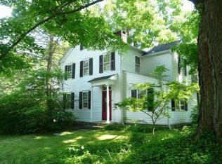 22 Schoolhouse Hill Rd , Newtown CT