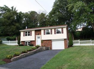 225 Laura Lee Dr, Coraopolis, PA 15108 | Zillow