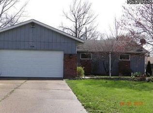 637 Appleseed Dr , Lorain OH