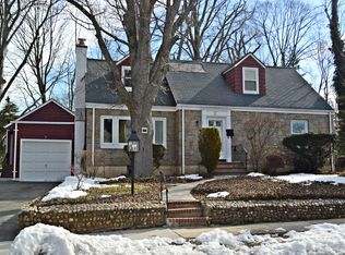 111 Hampshire Rd , Great Neck NY