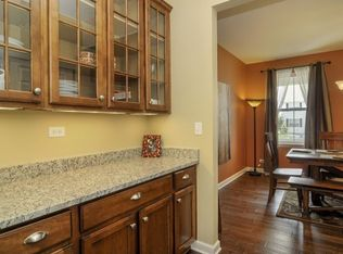 Traditional Dining Room With Breakfast Bar Amp Complex