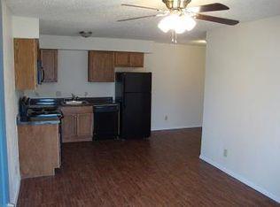 108 E Cedar St APT 9  Arlington  TX 76011   Zillow. 3 Bedroom Apartments In Arlington Tx 76011. Home Design Ideas