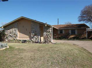 1118 Lawson Dr , Garland TX