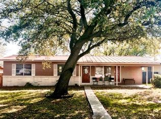 329 W Mulberry St , Fredericksburg TX