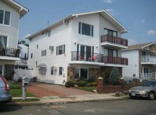 1052 Annadale Rd , Staten Island NY