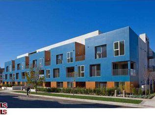 855 N Croft Ave Apt 207, Los Angeles CA