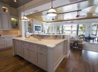 Cottage Kitchen With Breakfast Nook Amp Custom Hood In