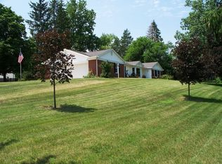 1103 Riley Rd , Kendallville IN