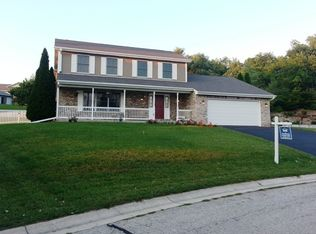 419 Red Coat Ct , Waterford WI