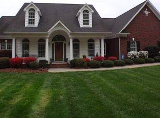 122 Upper Oak Dr , Statesville NC