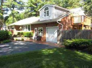 106 Willow St , Guilderland NY