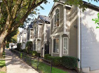 3812 SW Kelly Ave Apt 2, Portland OR