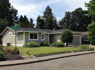 274 Meadowood Ln , Sonoma CA