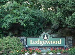 5 Ledgewood Way Apt 3, Peabody MA