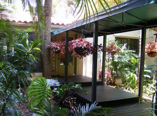 4011 Woodridge Rd , Miami FL