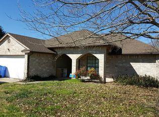 800 Sunny Oaks Ct , Pflugerville TX