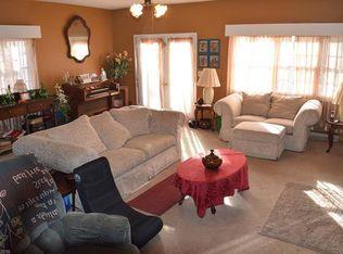 102 Leverette Dr, Hendersonville, NC 28791   Zillow