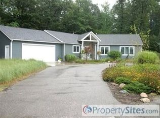 8070 Pigeon Creek Dr , West Olive MI