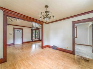 1102 w packard st appleton wi 54914 zillow solutioingenieria Image collections