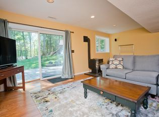 312 Peddlers Rd, Guilford, CT 06437 | Zillow