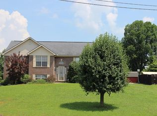 365 Summit Pointe Dr, Somerset, KY 42503 | Zillow