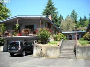 8430 SW Canyon Dr , Portland OR
