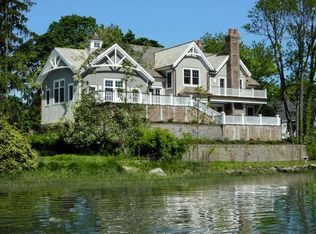12 Shore Rd , Old Greenwich CT