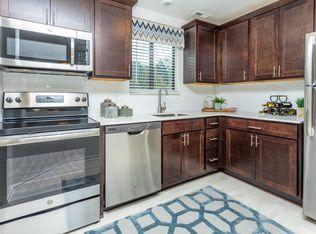 Oaks At Hampton Apartment Rentals Rochester Hills Mi