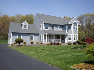 131 Woodberry Hill Dr , Southington CT