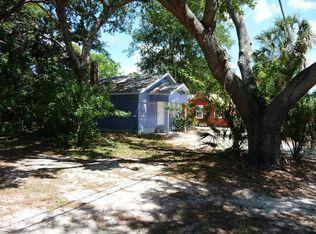 3023 West Pl , Sarasota FL