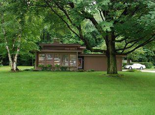 6769 Walnut Creek Dr , Fairview PA