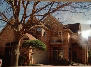 820 Olde Towne Dr , Irving TX