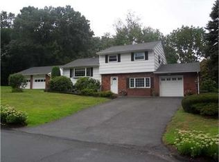 3 Spring Hill Ter , Chestnut Ridge NY