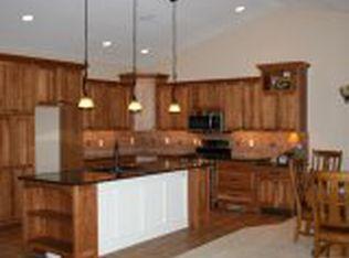 319 Spruce Hills Dr , Cedar Falls IA