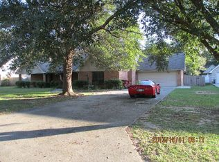 1003 Woods Rd , Picayune MS