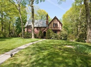 Edi giguere real estate agent in scarsdale trulia for 66 iselin terrace larchmont ny