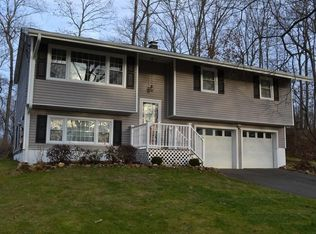 49 Skyline Dr , Brookfield CT