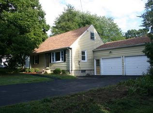 87 Barberry Rd , Southport CT