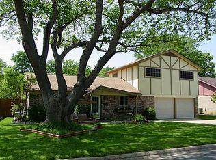 708 Canyon Ridge Dr , Euless TX