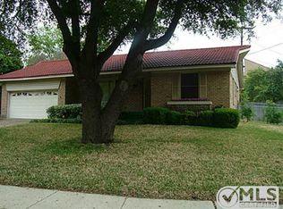 8618 Aldwick Dr , Dallas TX