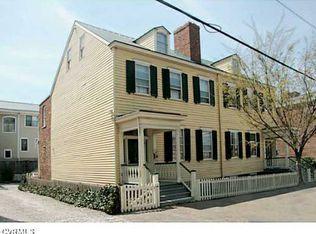 1811 E Grace St , Richmond VA