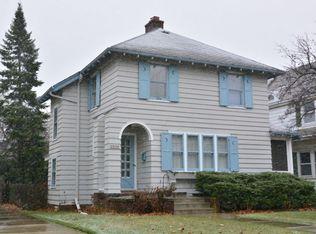 3536 N Downer Ave , Shorewood WI