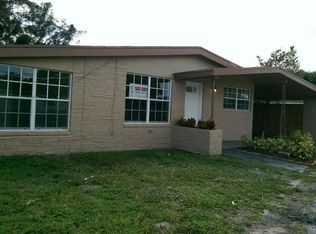 710 NW 40th St , Oakland Park FL
