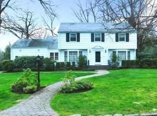 28 Meadow Rd , Scarsdale NY