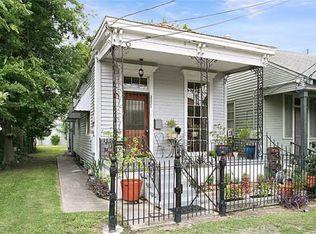 3221 Laurel St , New Orleans LA