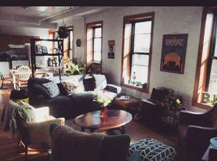 80 the living room metropolitan avenue brooklyn ny for Living room 86th street brooklyn ny