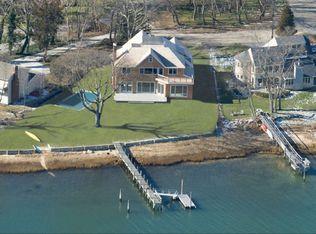 84 Harbor Dr , Sag Harbor NY