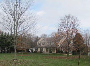 102 Lakewood Dr , Coatesville PA