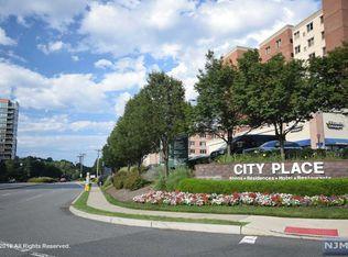 3308 City Pl , Edgewater NJ