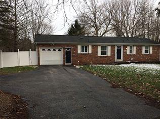 664 Marsh Rd , Pittsford NY